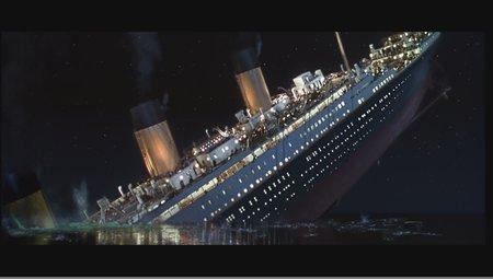 Sinking-Titanic-titanic-25510772-450-255